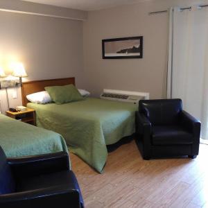 Hotel Pictures: Clothier Mills Inn, Kemptville
