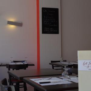 Hotel Pictures: Inter-Hotel Le Savoy, Caen