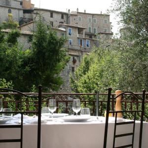 Hotel Pictures: Auberge De La Madone, Peillon