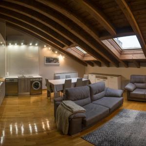 Hotel Pictures: Apartamento Gure Ganbara, Estella