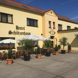 Hotel Pictures: Hotel Schützenhaus, Brück