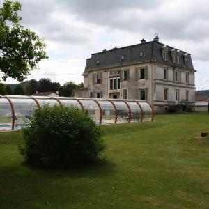 Hotel Pictures: Le Château, Granges-sur-Vologne