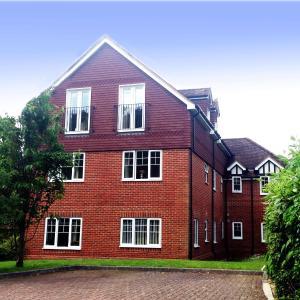 Hotel Pictures: St Raphael House, City Centre Charming Apartments, Basingstoke