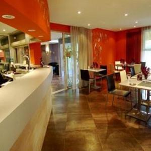 Hotel Pictures: Hôtel-Restaurant Le Luron, Lure