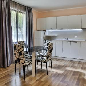 Hotellbilder: Al Rial Beach Apartments, Shkorpilovtsi