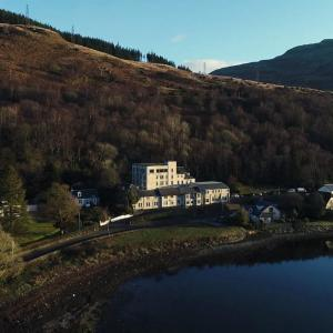 Hotel Pictures: Loch Long Hotel, Arrochar