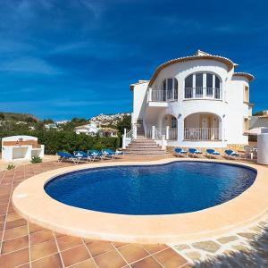 Hotel Pictures: Villa Blake, Moraira