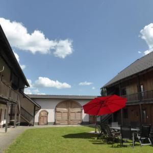 Zdjęcia hotelu: Espi-Stables Ferienhof Esterhammer, Liebenau