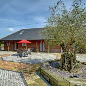 Hotel Pictures: Olive Tree Cottage, Folkestone