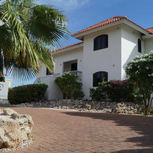 Hotel Pictures: Villa Summer Heights - Coral Estate I, Willibrordus