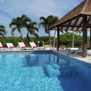 Hotel Pictures: Villa Summer Heights - Coral Estate, Willibrordus