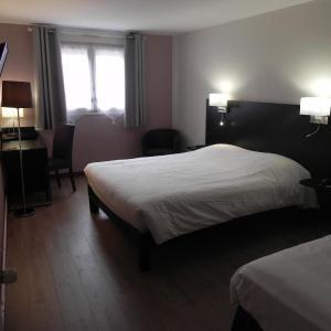 Hotel Pictures: Hotel du Saumon, Verneuil-sur-Avre