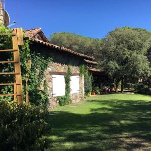 Hotel Pictures: The Spanish Cottages, Sant Pere de Vilamajor