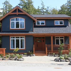 Hotel Pictures: Coast and Toast Bed & Breakfast, Ucluelet