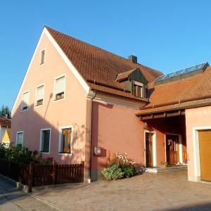Hotel Pictures: Ferienwohnung Tegernheim, Tegernheim