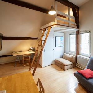 Hotel Pictures: Le grand et le petit Chantault, Chartres