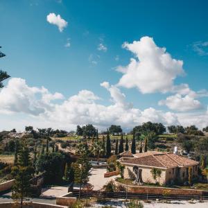 Hotel Pictures: Equestrian Luxury Villa, Prastio