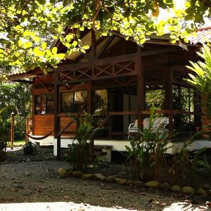 Hotel Pictures: Kenaki Lodge, Cahuita