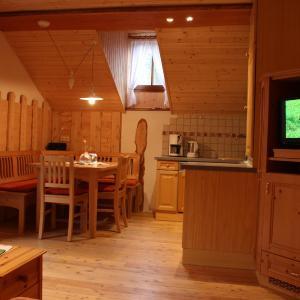 ホテル写真: Urlaub mitten im Wald - Lueg, Scheibbs