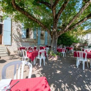Hotel Pictures: La table d'antan, Bon-Encontre