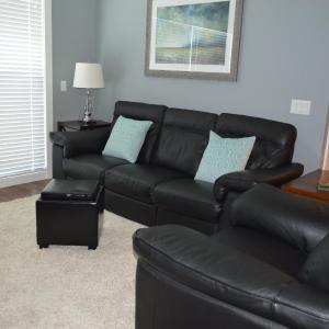 Hotel Pictures: Travino Lane 2BD Executive, Esquimalt