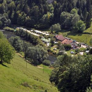 Hotel Pictures: Tariche Centre de Vacances, Saint-Ursanne