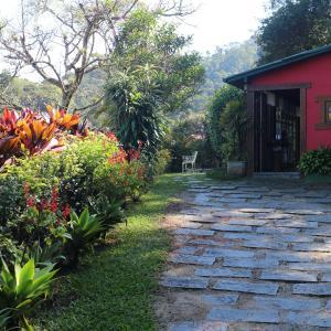 Hotel Pictures: CHALÉS SAINTE MONIQUE LTDA, Itaipava