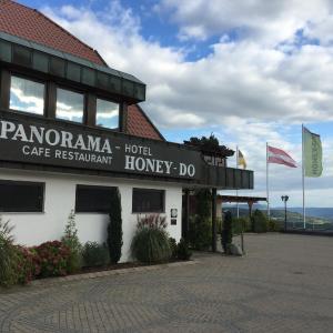 Hotelbilleder: Panorama Hotel Café Restaurant Honey-Do, Hohenstaufen