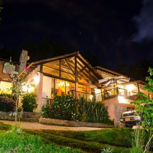 Hotel Pictures: Lodge Estación Primavera, Tilatá