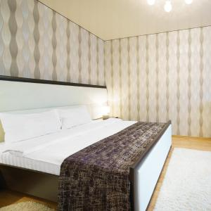 Hotel Pictures: PaulMarie Apartments on Stroiteley 38, Bobruisk