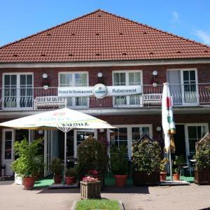 Hotel Pictures: Hotel und Restaurant Rabennest am Schweriner See, Raben Steinfeld