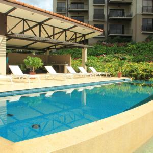Hotel Pictures: 303 Roble Sabana, Playa Conchal