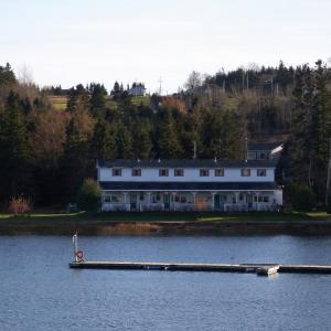 Hotel Pictures: Waterside Apts., Cardigan