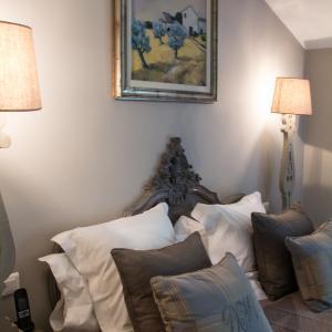 Hotel Pictures: Domaine de Mejeans -Chateaux et Hotels Collection, Alleins