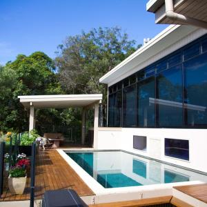 Hotel Pictures: Mountain Studio with ocean & bush views, Coolum Beach