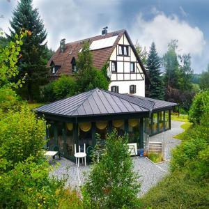 Hotel Pictures: Penzion Restaurant Im Gruenen Tal, Neualbenreuth