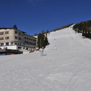 Foto Hotel: Hotel Alpenrose, Kanzelhöhe