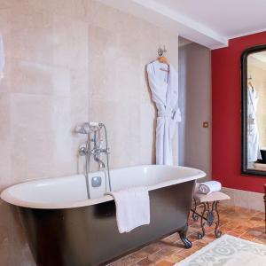 Hotel Pictures: Château de l'Epinay, Saint-Georges-sur-Loire