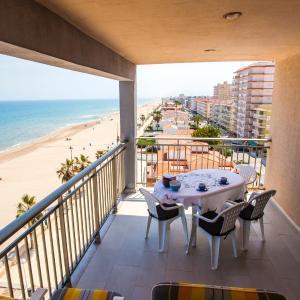 Hotel Pictures: Apartamentos Guillem, Playa de Miramar