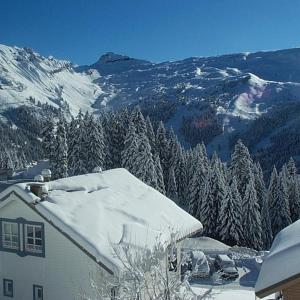 Hotel Pictures: Appartement 1C1, Flaine