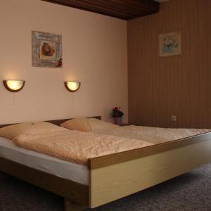 Hotel Pictures: Eifelhotel Malberg, Malberg