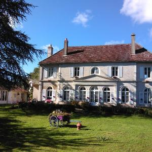Hotel Pictures: Demeure de l'île rollet, Saint-Jean-de-Losne