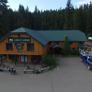 Hotel Pictures: Likely Lodge, Likely