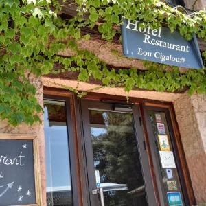 Hotel Pictures: Lou Cigaloun, Saint Antonin du Var