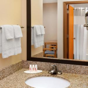Hotel Pictures: Days Inn - Charleston, Charleston