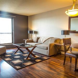 Hotel Pictures: OBASA Suites Hallmark, Saskatoon