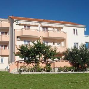 Hotellikuvia: Apartments Meri I, Novalja