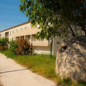 Hotel Pictures: La Résidence Des Oliviers, Bagnols-sur-Cèze