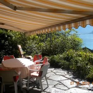 Hotel Pictures: Chalet Regula, Quinten