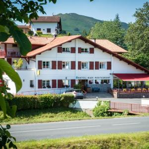 Hotel Pictures: Logis Hotel Ur-Hegian, Aïnhoa